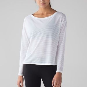 Lululemon Lean in Long Sleeves top sz 6 white